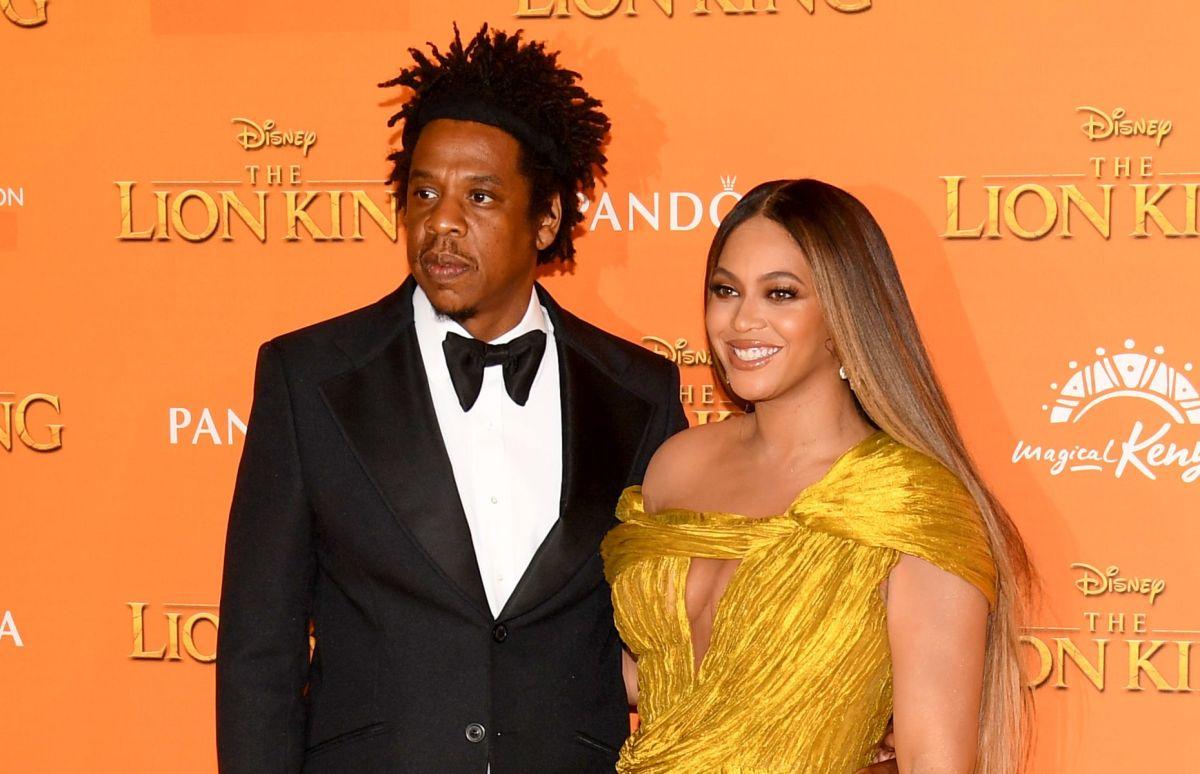 Beyoncé muestra su perfecta anatomía sin sostén y en un revelador vestido