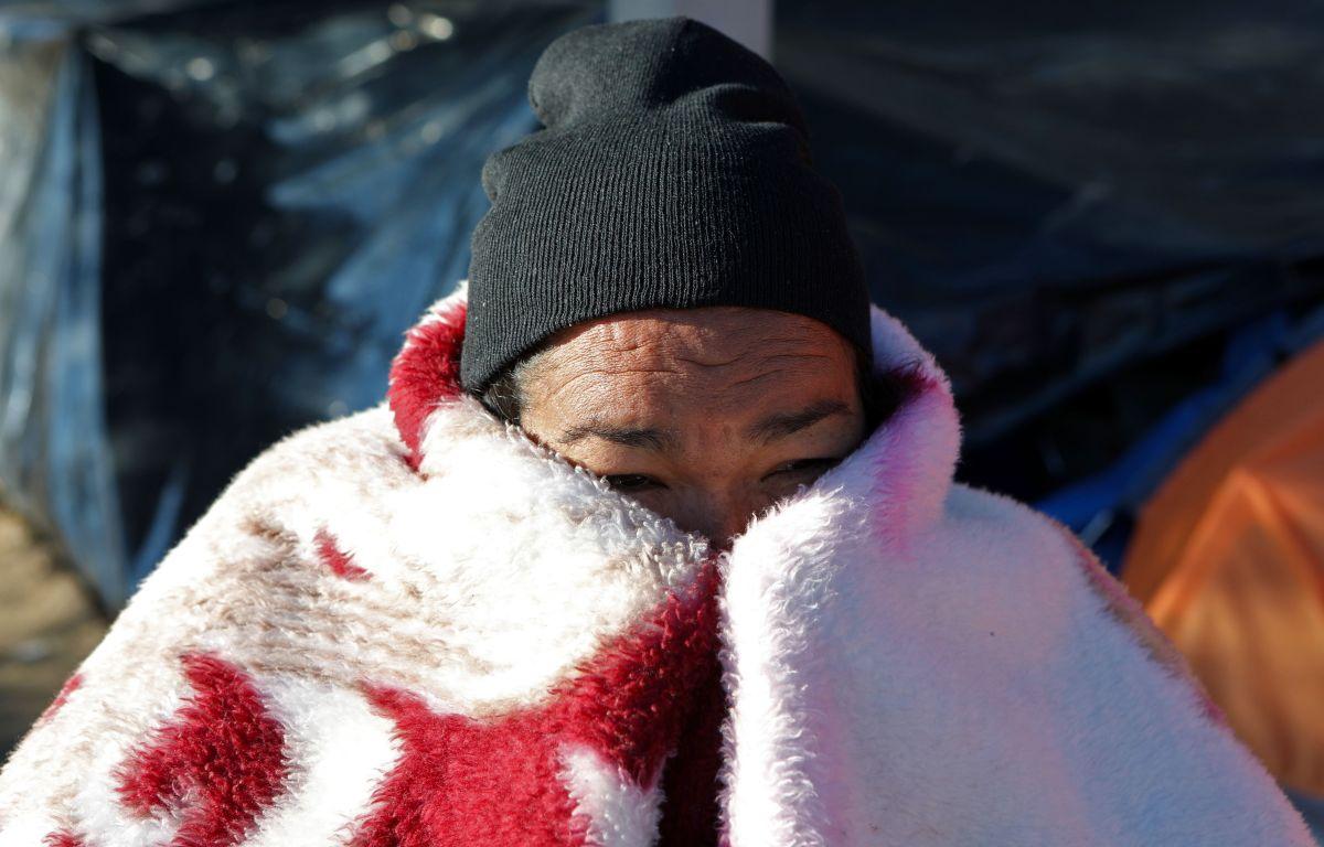 El frío azota los campamentos de refugiados en la frontera México-EEUU