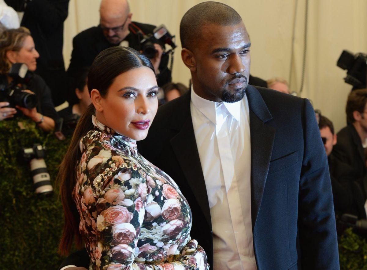 Recordamos el ridículo atuendo de Kim Kardashian en la MET Gala 2013