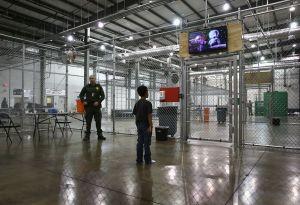 'La Migra' separaría a menores inmigrantes de sus padres tras orden de liberarlos de centros de detención