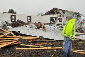 Al menos tres muertos por tormenta con frente de frío y tornados en el sur de EEUU
