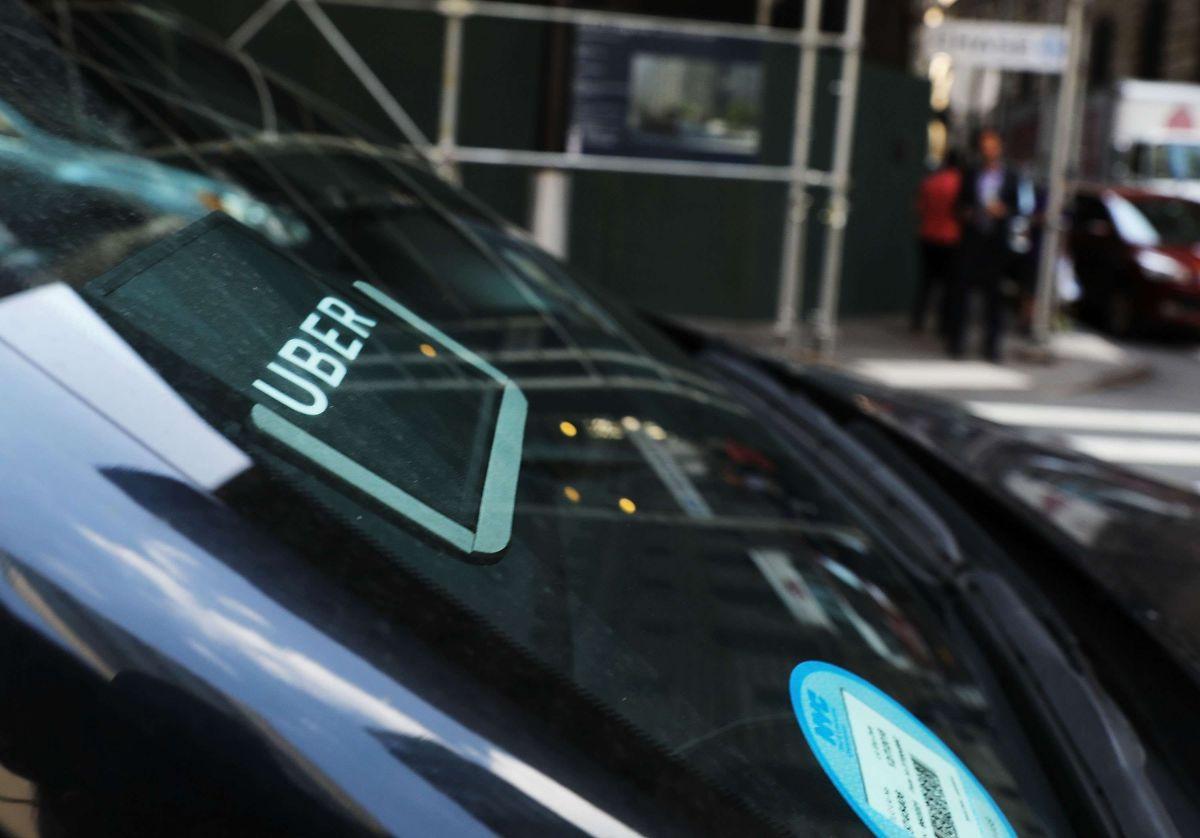 Los conductores de UBER han visto sus ingresos desplomarse por coronavirus. (Spencer Platt/Getty Images)
