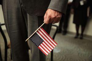 """El consejo de abogados a inmigrantes sobre la """"buena moral"""" para obtener """"green card"""" y ciudadanía"""