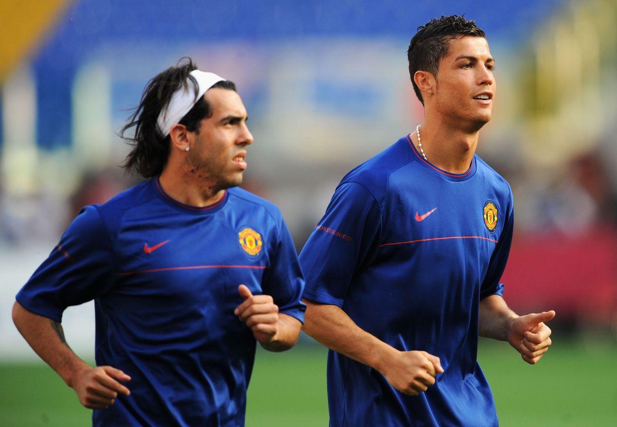 Carlos Tévez y Cristiano en el 2009, época en la que jugaron juntos en el Manchester United.