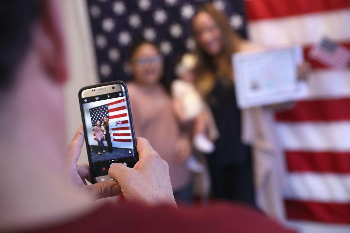 Durante 2019, 834,000 personas fueron naturalizadas como ciudadanos en Estados Unidos.