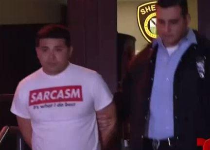 Texas: Niña graba a un expolicía masturbándose y sube el video a Facebook