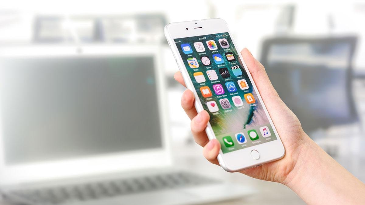 Apple te da $1.5 millones si logras hackear sus iPhones y computadoras