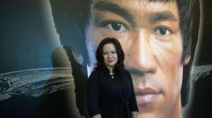 Hija de Bruce Lee demanda a cadena de comida china por usar la imagen de su padre