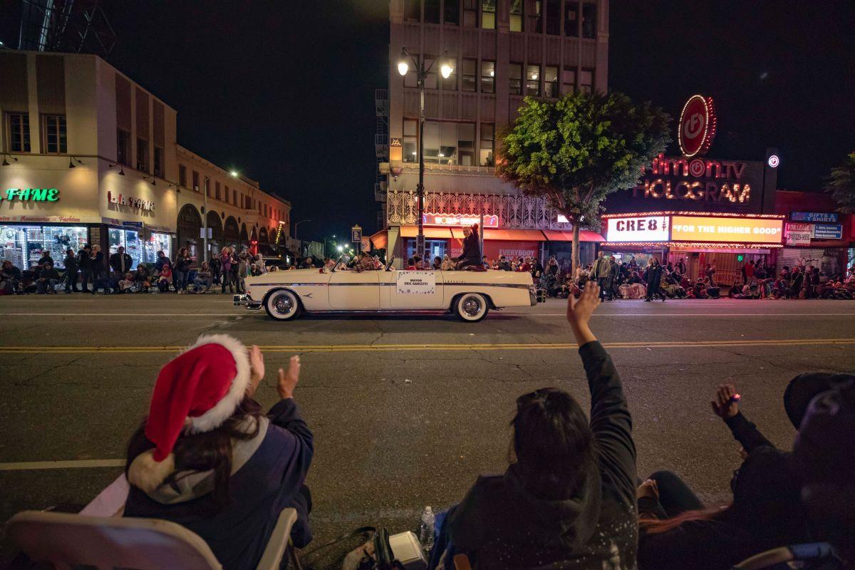 Desfile Navideño En Hollywood El Más Grande De Todo Estados Unidos La Opinión