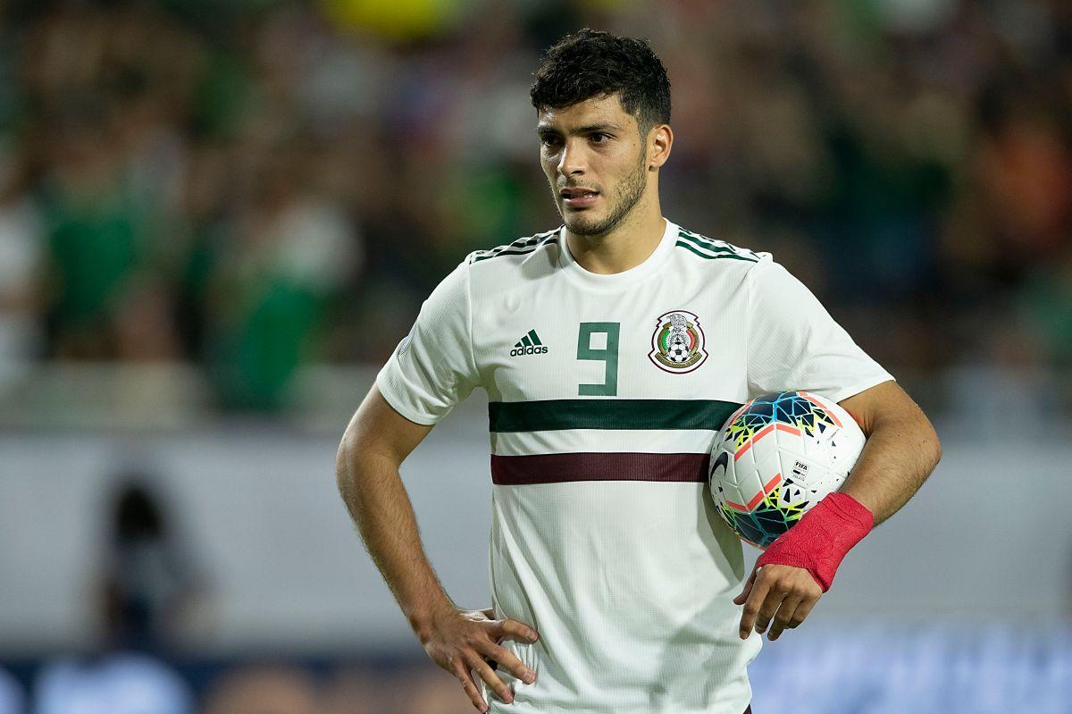 Raúl Jiménez felicitó a su ex equipo.