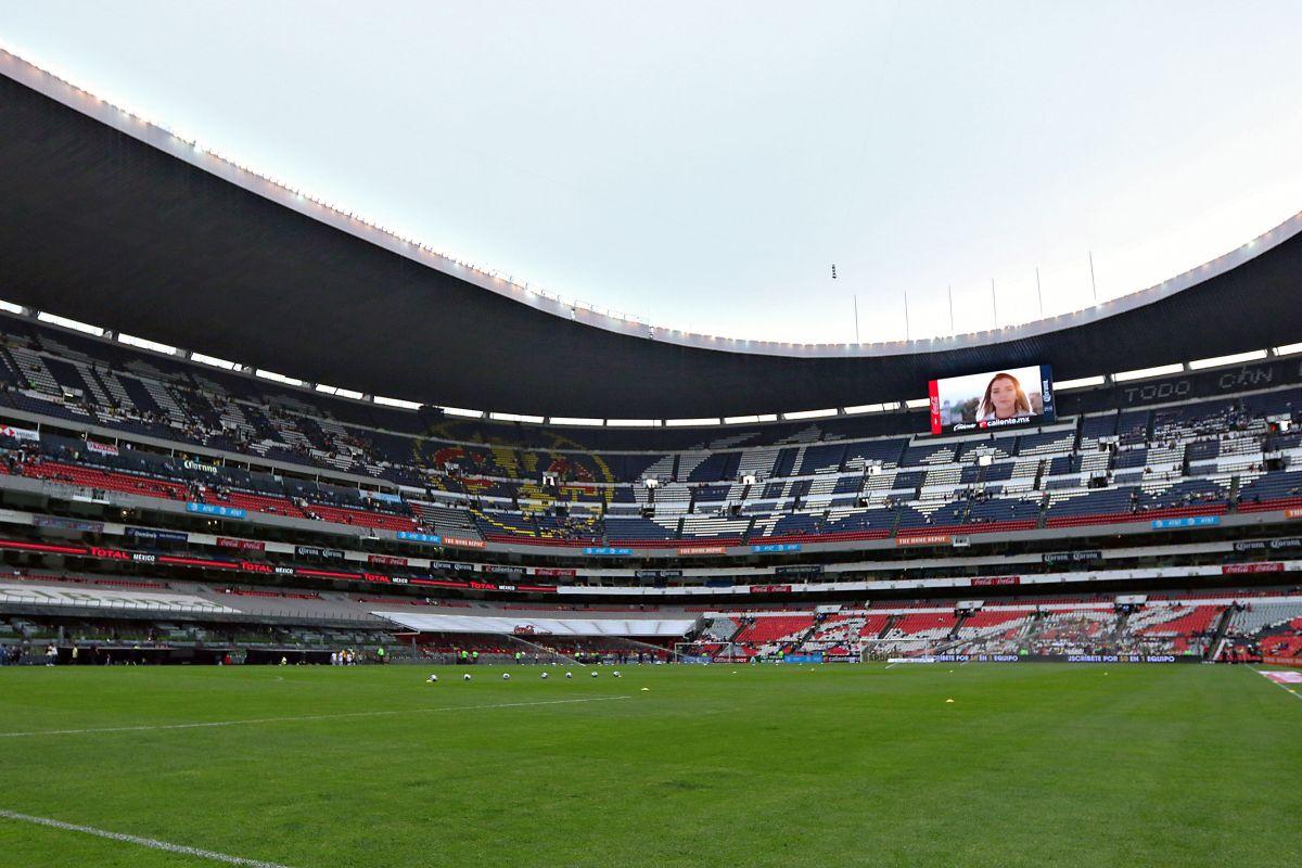 ¡Arreglan el nido! Reparan el césped del Estadio Azteca para la gran final del futbol mexicano