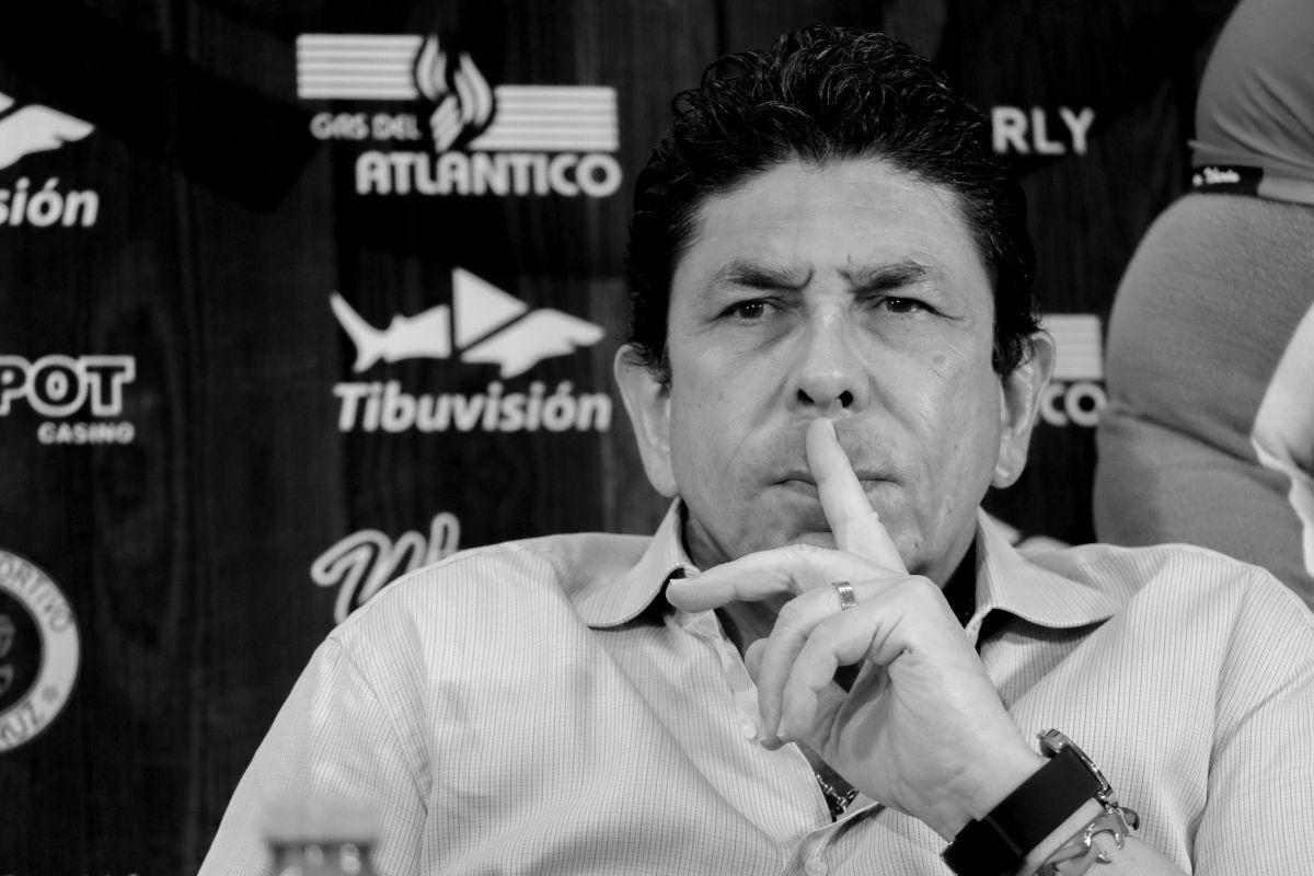 Los malos manejos que ha llevado Fidel Kuri Grajales en Tiburones Rojos lo pueden llevar a la desafiliación del equipo.