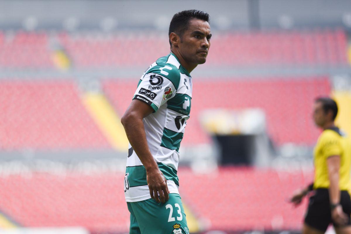 José Juan 'Gallito' Vázquez deja Santos para regresar a Chivas