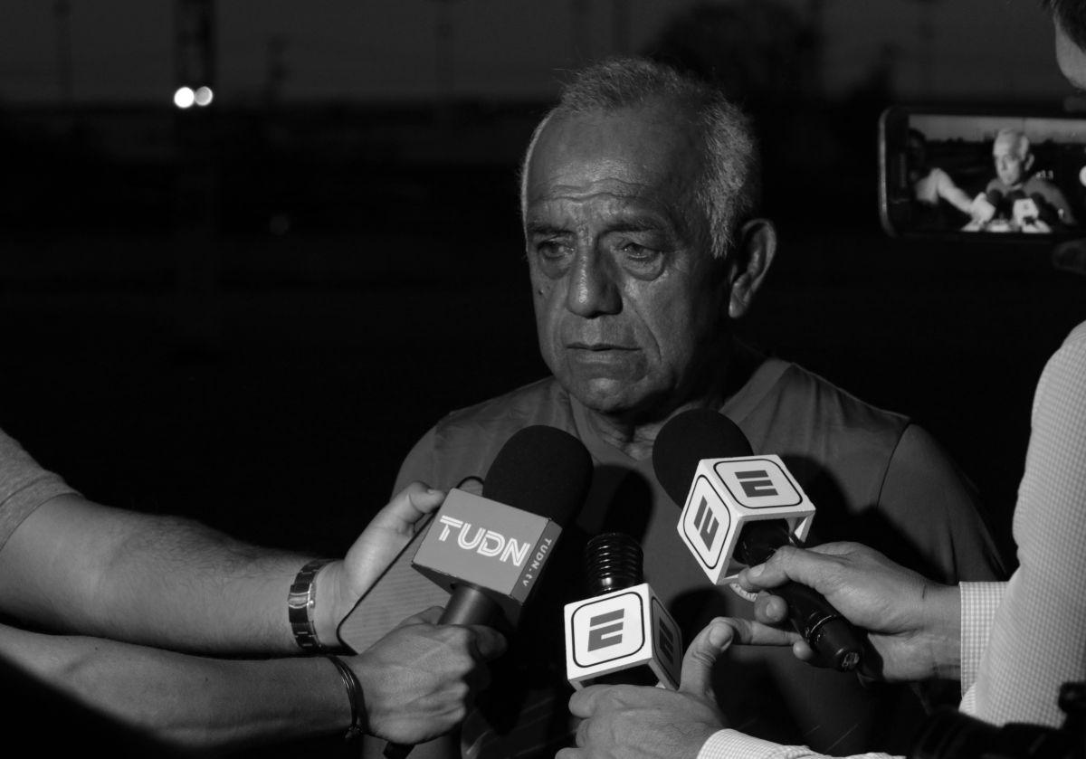 Jorge Reyes Sainz, apoderado de la FMF, entregó la notificación este viernes.