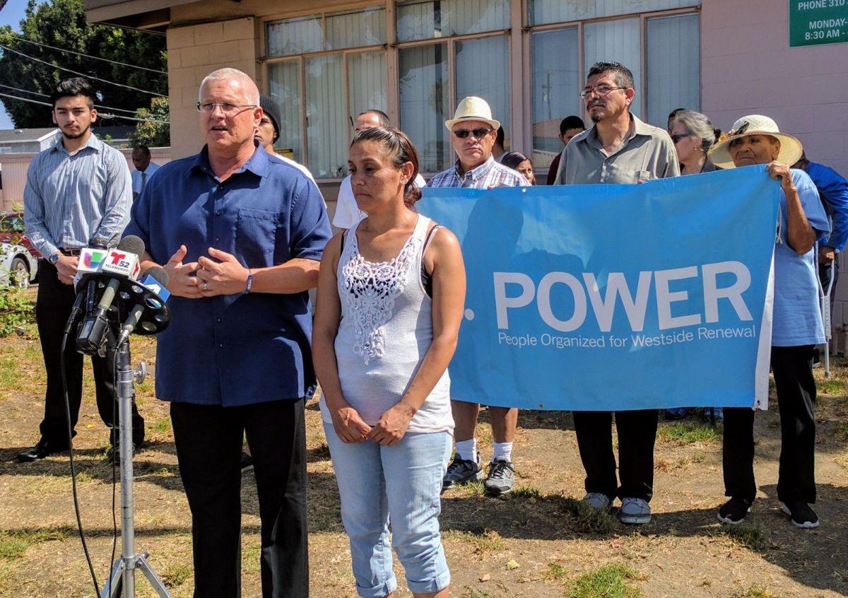 Concejal Mike Bonin anunció su respaldo a Bernie Sanders para la presidencia de EEUU