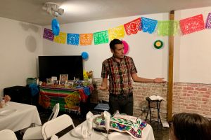 Judíos latinos comparten su cultura a través de las cenas de Shabat
