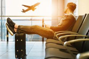 """Bajan a 5 pasajeros de un avión porque estaba """"demasiado pesado"""" para despegar"""