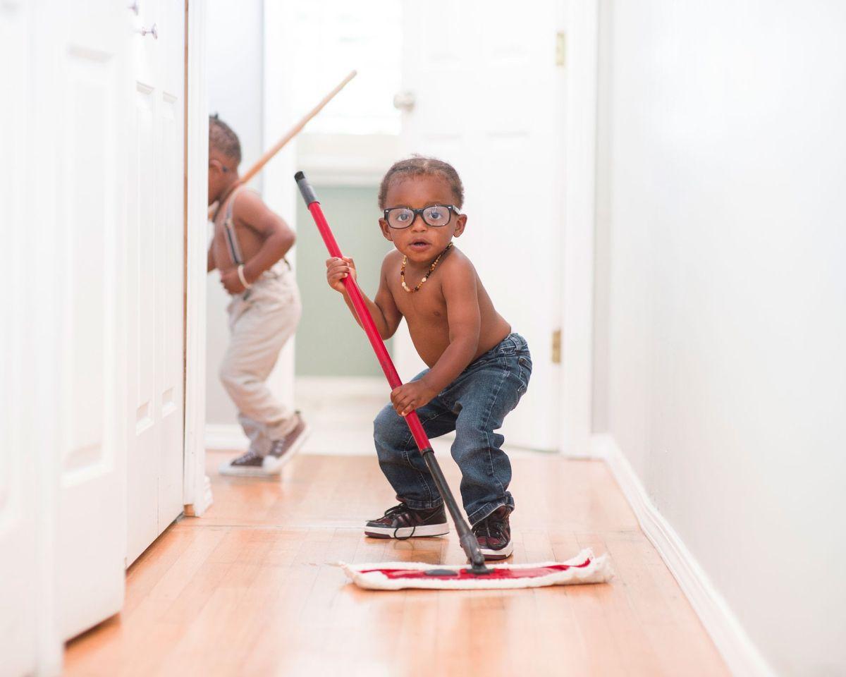 Cómo lograr que tus hijos colaboren más en las labores de la casa