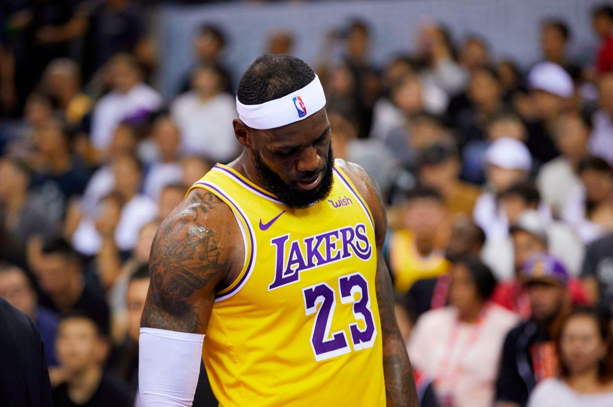 Alerta en Los Ángeles: Lebron James recayó de su lesión y estará fuera varios partidos