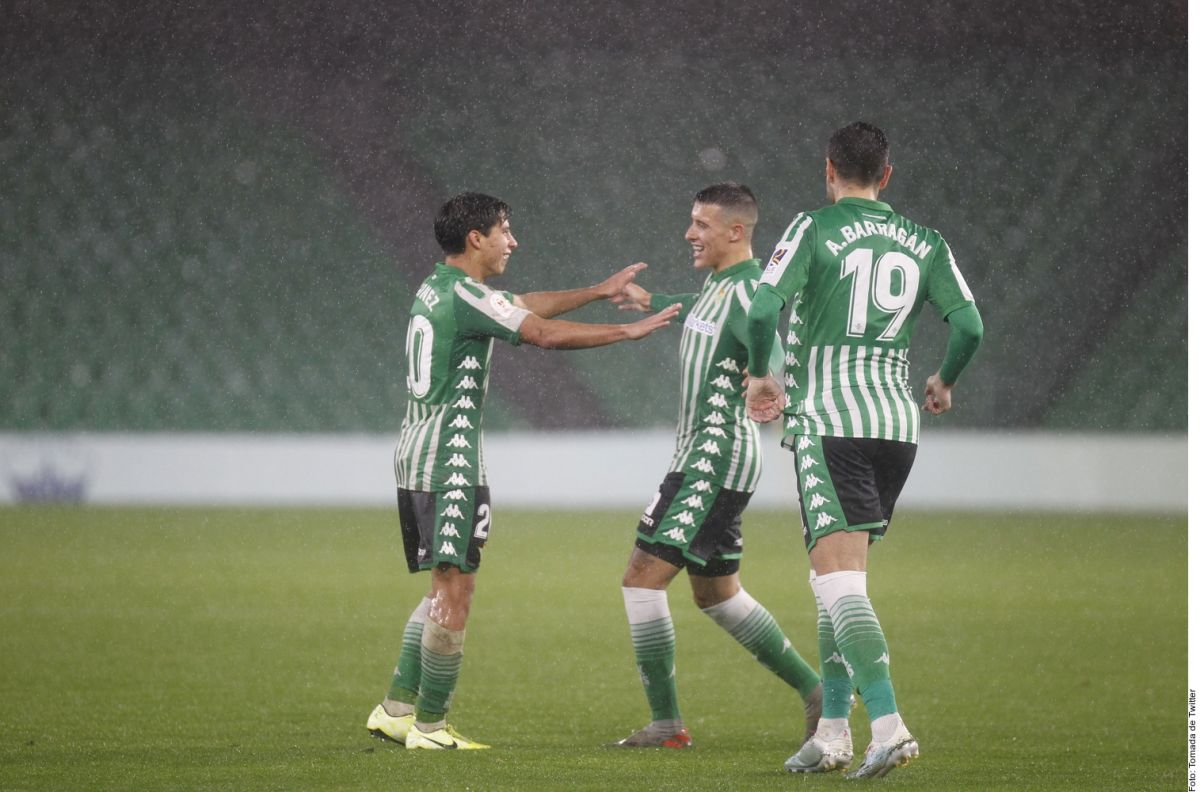 ¡Despertó! Láinez anotó un gol espectacular en la goleada del Betis al Antoniano