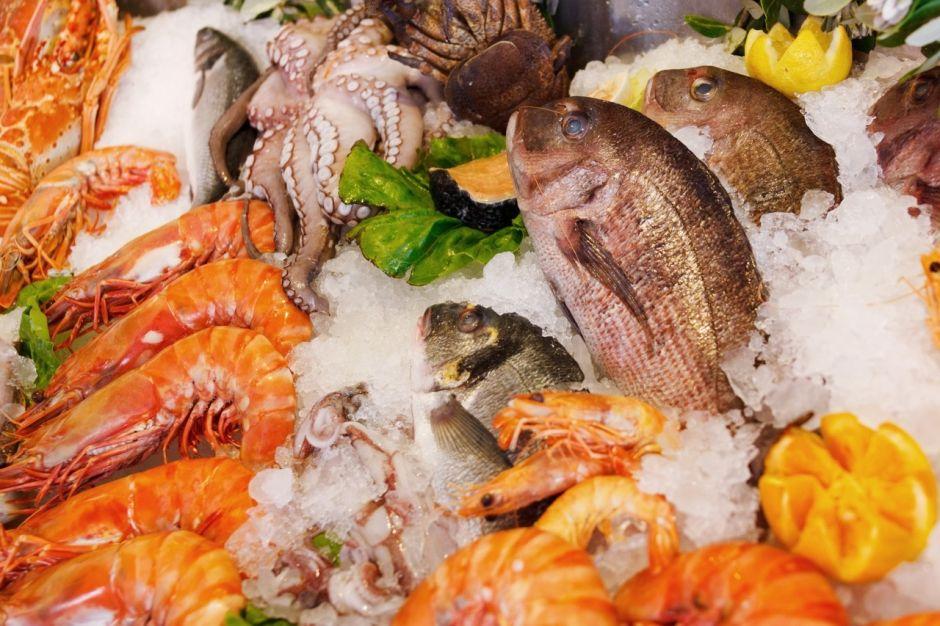 ¿Cómo reconocer que pescados y mariscos sean frescos?