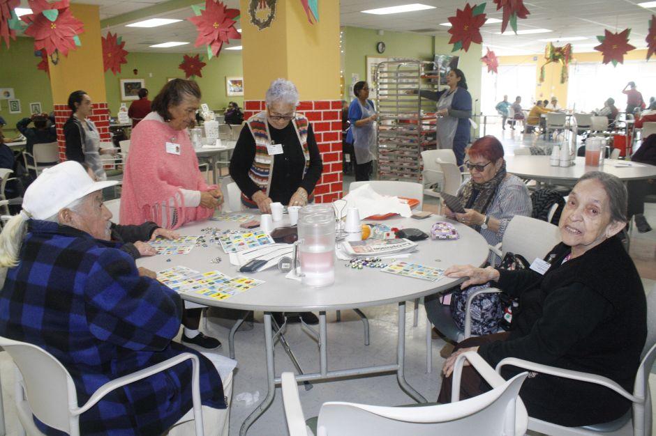 La comunidad latina de la tercera edad, víctima de la depresión