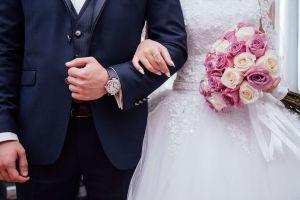 Mujer invita a exnovios a su boda y esto fue lo que pasó...