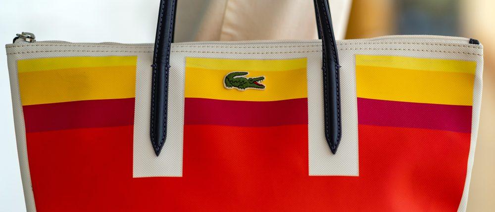4 carteras Lacoste que puedes usar a diario y con cualquier look