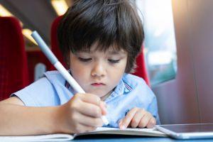 ¿Por qué es importante que los niños sigan aprendiendo en vacaciones escolares?