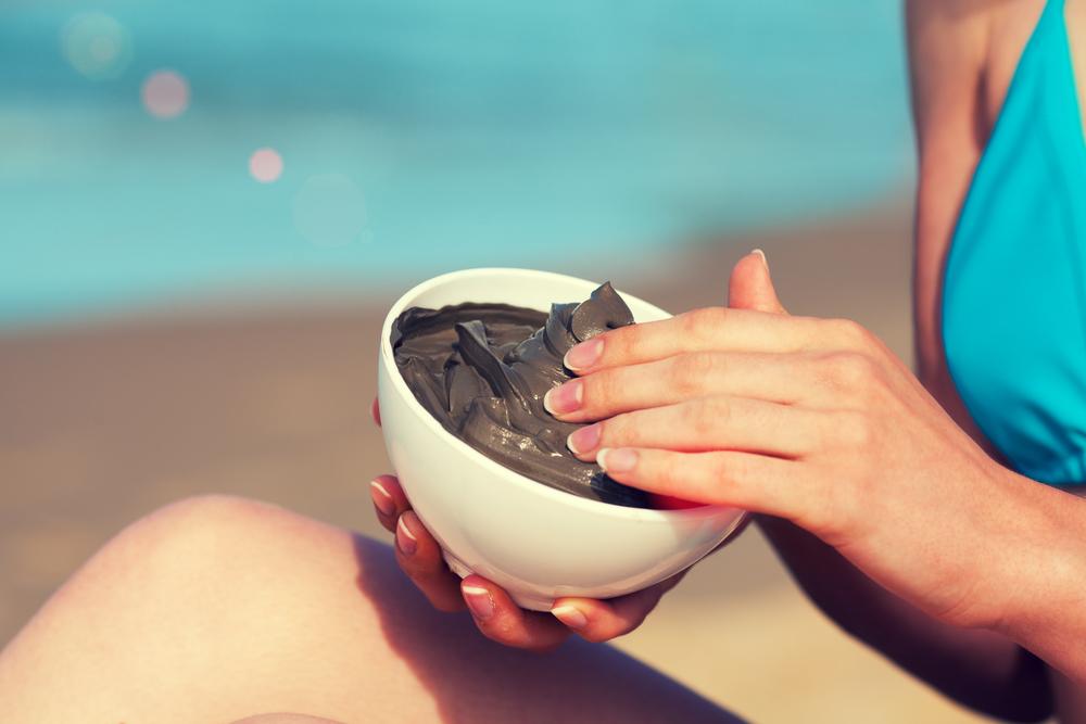 ¿Qué propiedades posee el barro del Mar Muerto para el cuidado de la piel?