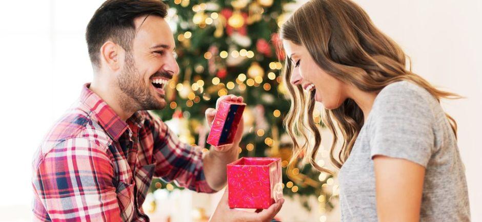 6 regalos de navidad prácticos que puedes conseguir por menos de $30 para resolver a último momento