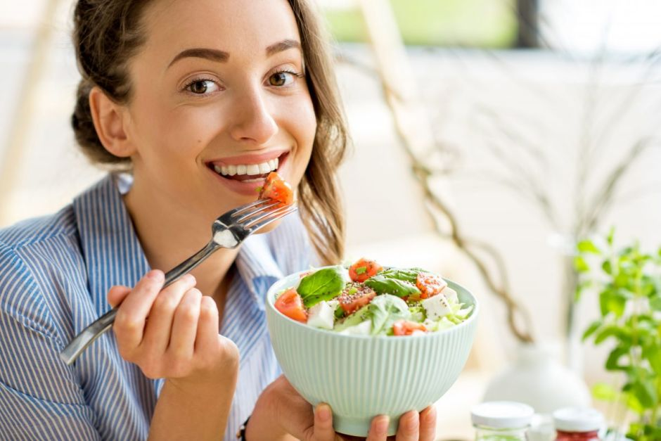 4 ideas de cenas rápidas y frescas para cuidar el peso en verano