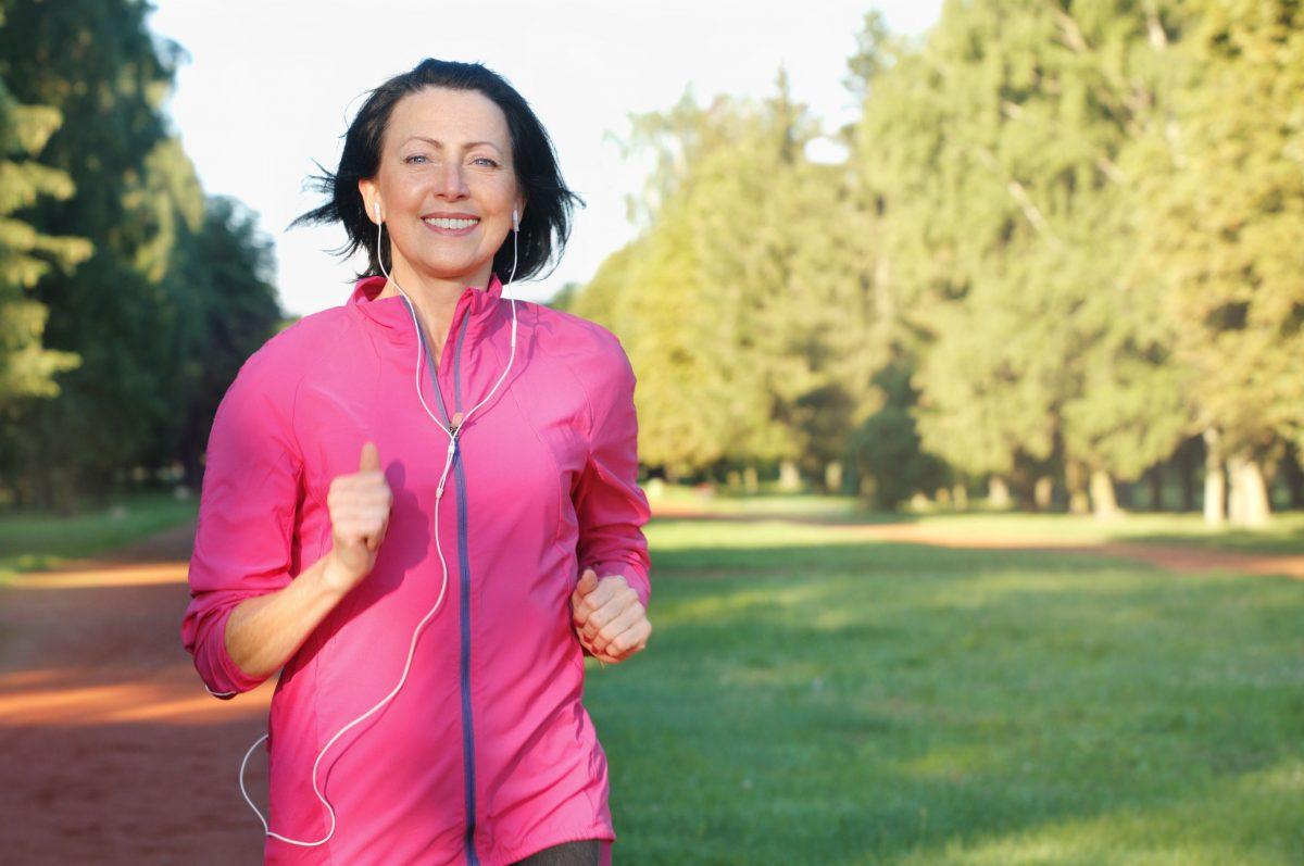 9 formas de cuidar y fortalecer tus huesos