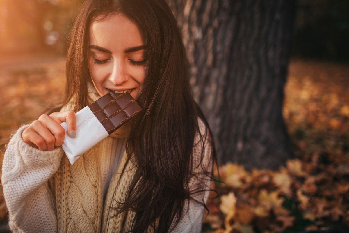 El chocolate amargo es amigo de la salud cardiovascular, combate la diabetes y levanta el ánimo.