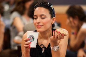 Starbucks te da café y comida GRATIS ¡por 30 años!