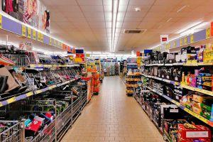Hombre entra a un supermercado en San Francisco ¡y defeca en el suelo!