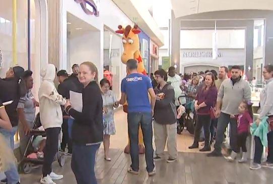 """Toys """"R"""" Us regresó a Houston; abrió una tienda en Galleria"""