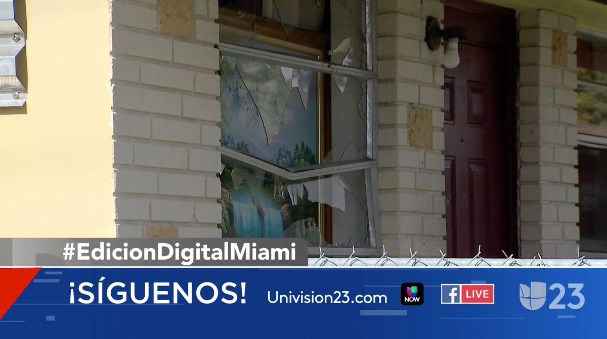 Decían que eran policías, entraron a la fuerza en una casa de Miami y la destrozaron