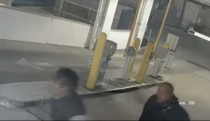 Houston: Lo asesinaron a plena luz del día en área de Galleria; Policía busca 2 hombres que caminaban con él