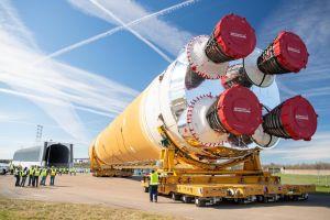 SLS, el cohete más poderoso de la NASA con el que EEUU quiere volver a mandar humanos la Luna