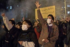 Protestas en Irán: cómo un avión derribado tras 7 minutos de vuelo reavivó la mayor crisis que vive el país