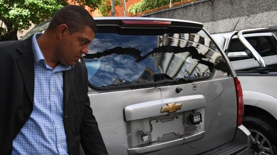 Diputados opositores venezolanos denuncian ataque con armas de fuego cuando intentaban llegar a la Asamblea Nacional