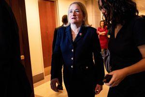 Fiscal latina en 'impeachment' a Trump se dirige a republicanos en español