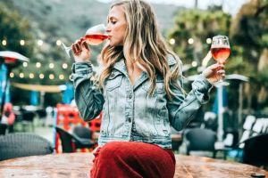 ¿Es aconsejable beber vino si estás intentando perder peso?