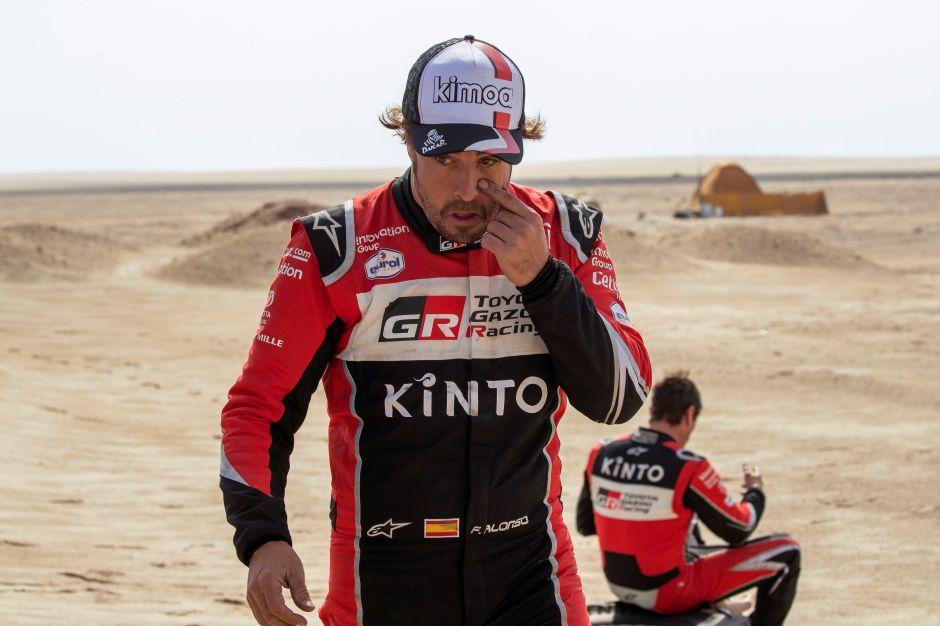Aficionado estuvo a punto de ser atropellado por Fernando Alonso ¡por tomarse una selfie!