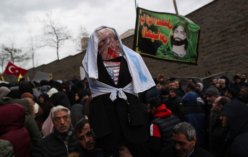 Aparece foto de Trump sangrando en web del gobierno de EEUU. Grupo iraní se atribuye ataque