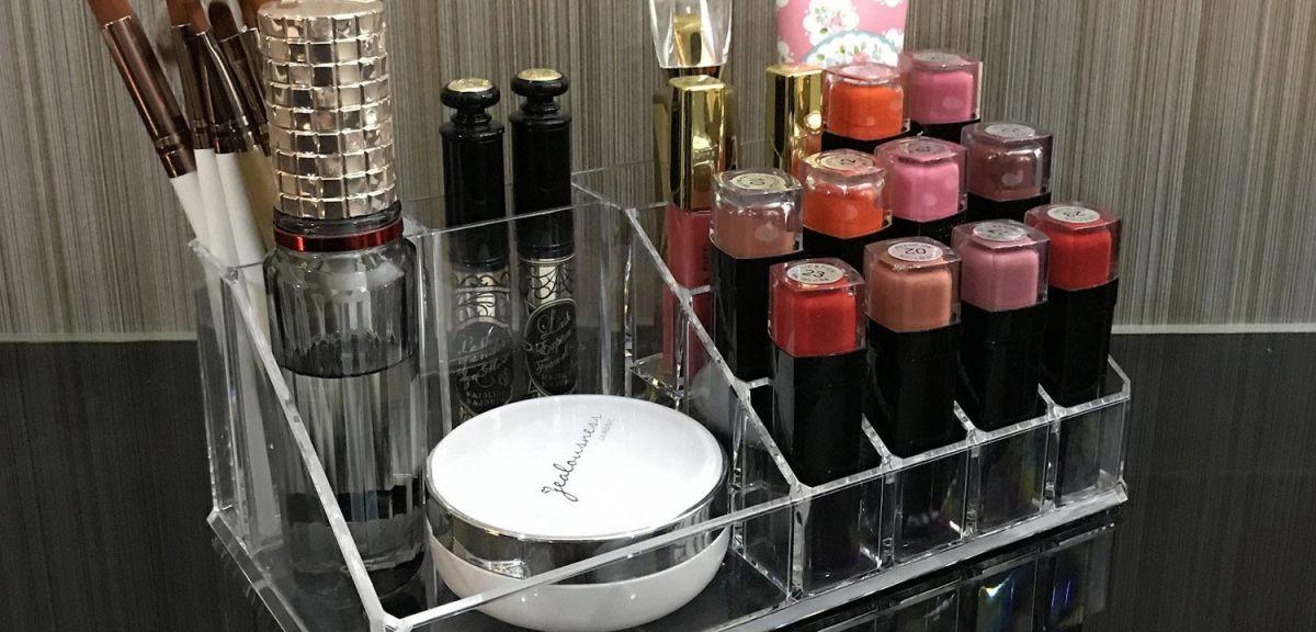 5 organizadores para cosméticos que harán tu vida mucho más fácil en tus rutinas mañaneras