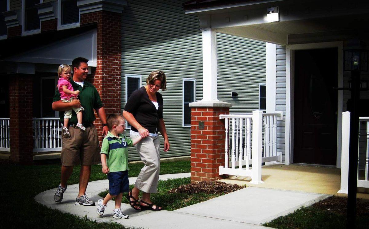 6 lámparas de exterior con sensor de movimiento para detectar cualquier intruso en la casa