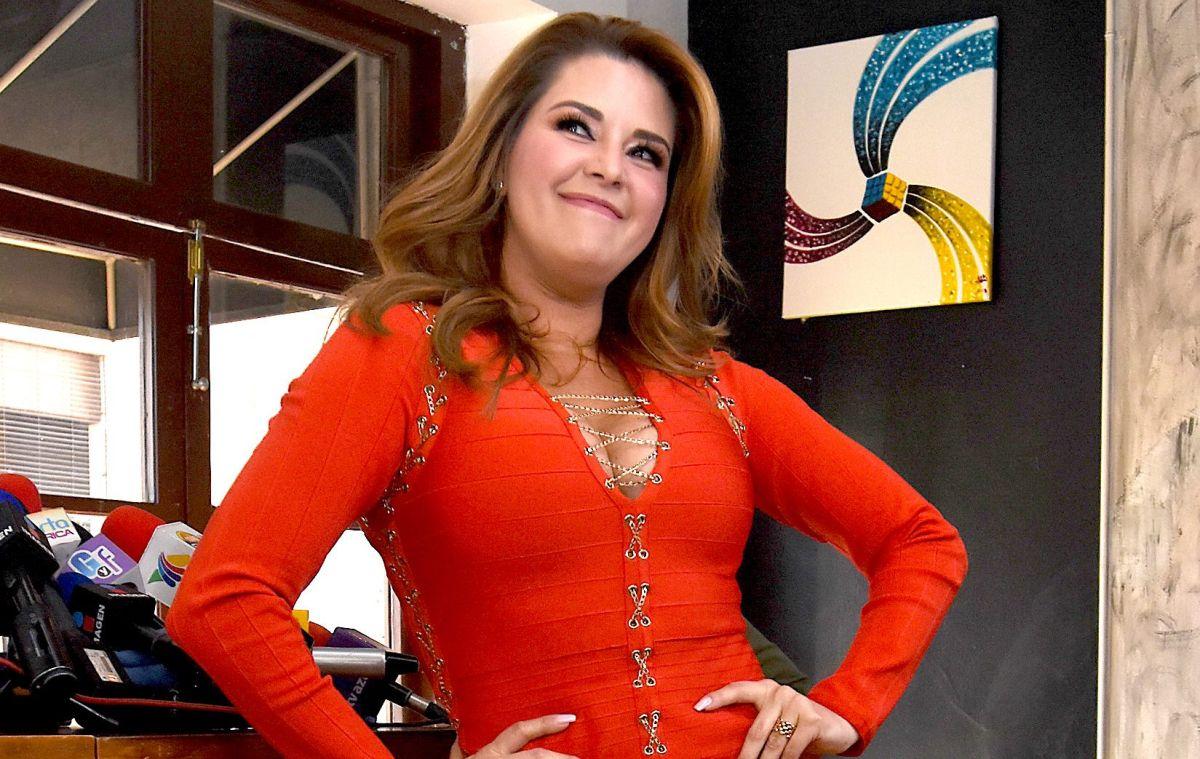 Alicia Machado fills Celia Lora with kisses inside 'La Casa de los Famosos'
