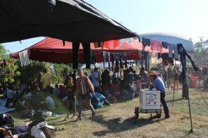 2,500 inmigrantes se agolpan al otro lado de la frontera con México. Planean cruzarla este lunes